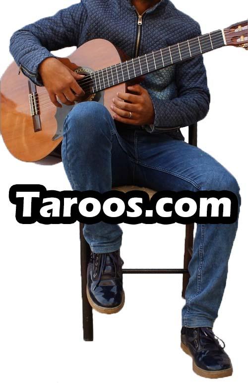 آموزش گیتار - حالتِ نشستن و گرفتن گیتار