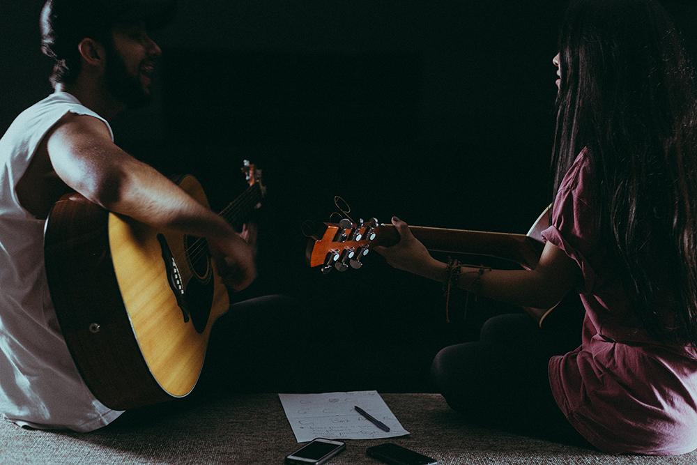 آموزش گیتار شادمهر عقیلی